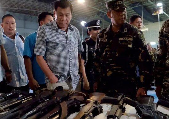 菲律宾总统:特朗普夸我禁毒战争做得对 并预祝我取胜