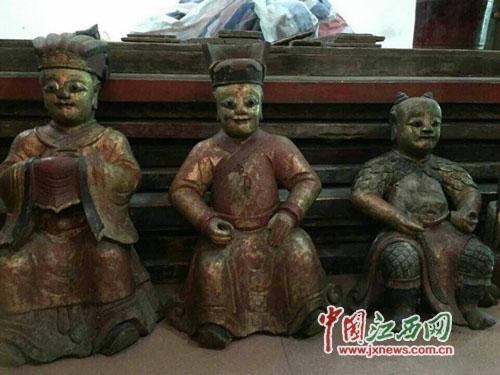 被盗木雕菩萨