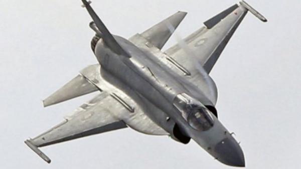 斯里兰卡购8架枭龙战机明年交付 印度抗议