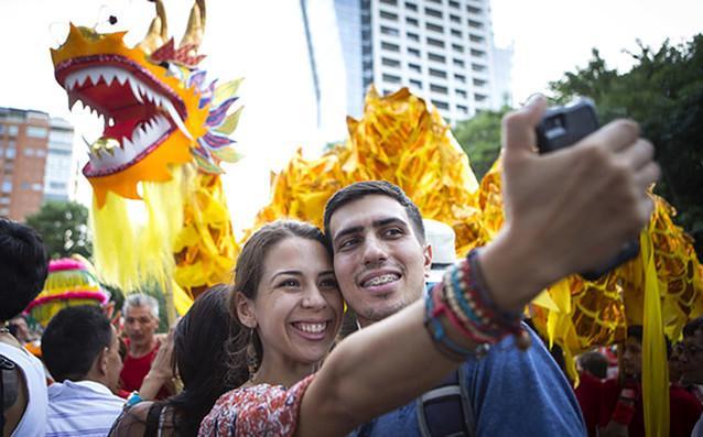 看世界各地的华人如何庆新春