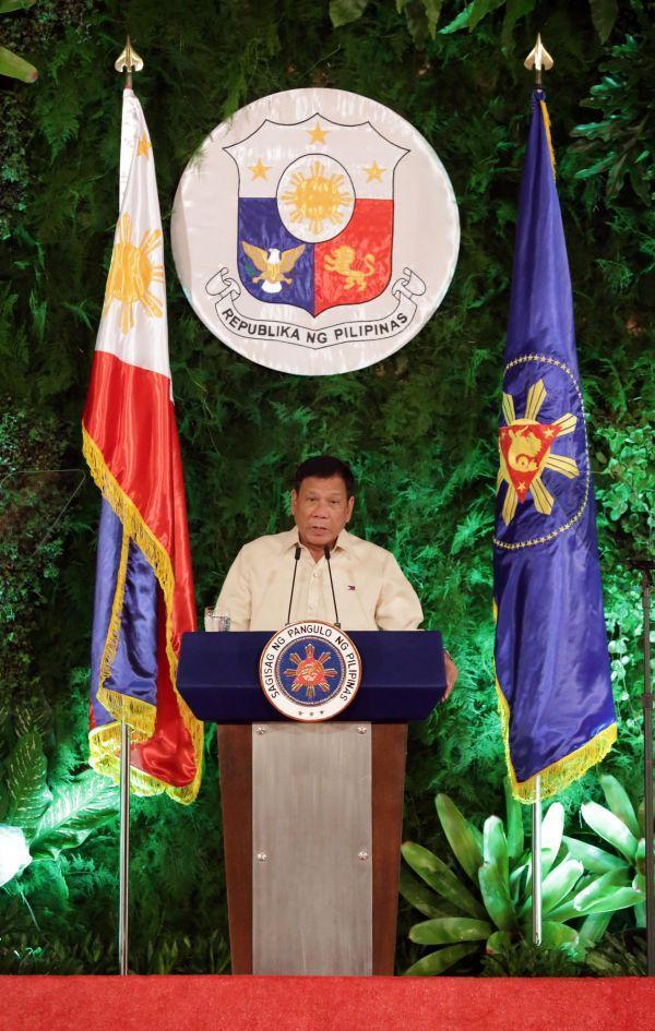 """美媒:菲律宾总统""""变卦""""给美带来无法预料的挑战"""