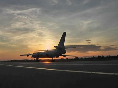 空军赴南海常态化战巡:轰-6K赴黄岩岛等地巡航