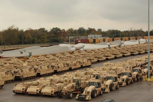 美千辆坦克冷战后首次重返欧洲 或意图威慑俄罗斯