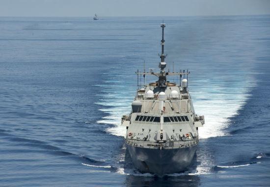 美军考虑派舰船驶入中国南海岛礁12海里范围内