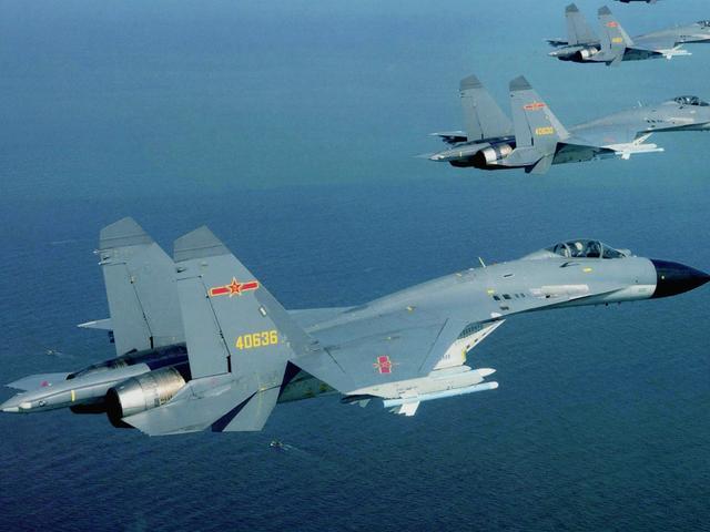 解放军演习战机次次被精确锁定 飞行员直呼不可能