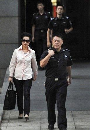 李天一同案犯律师:5人曾串供 称反正是嫖娼