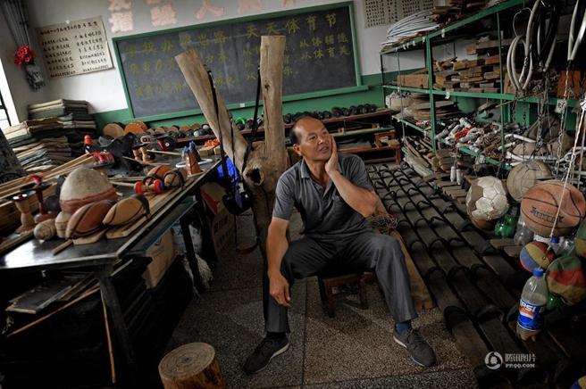 云南体育教师自制体育教具让孩子们喜欢体育