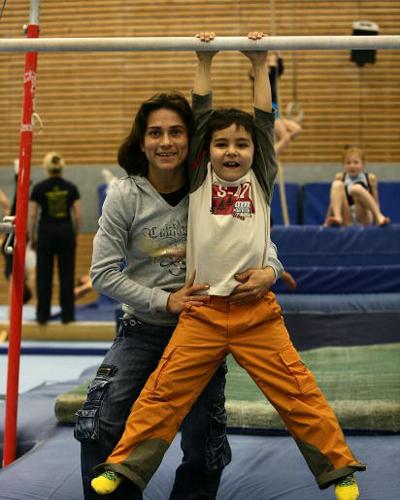 丘索维金娜与儿子(摄于2006年)