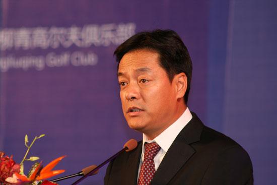 小球中心副主任称将来的高尔夫球场会是渐进式发展