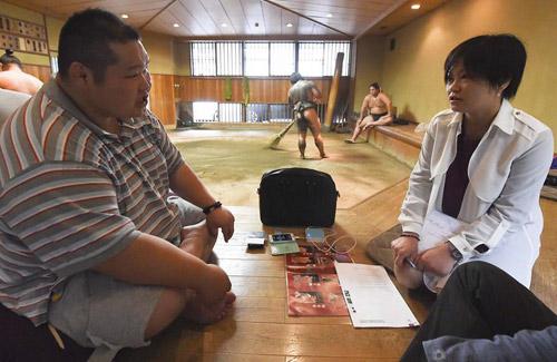 相扑史上最牛中国人婚都结不起