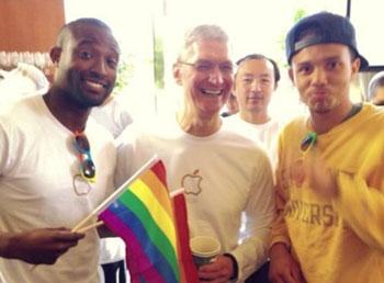 库克今年早些时间已经参加过一次同性恋活动