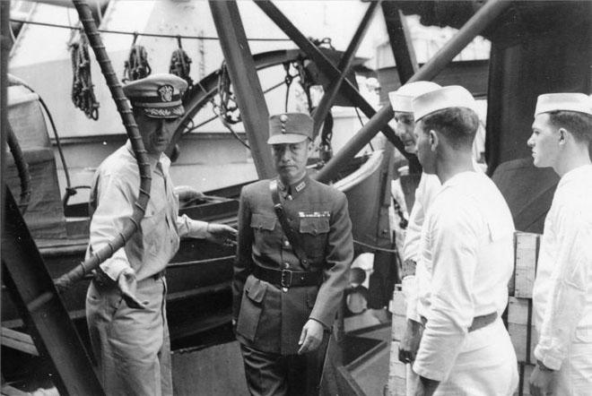1945年9月2日,徐永昌将军作为中国受降代表,登上密苏里舰签字接受日本投降