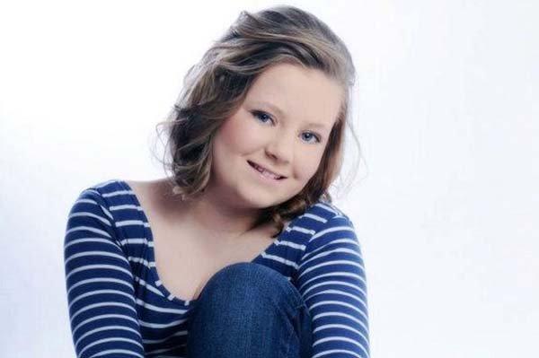 少女的父亲表示会宽恕,但这名14岁的英国女孩确实是因为不堪网络侮辱谩骂而自杀身亡