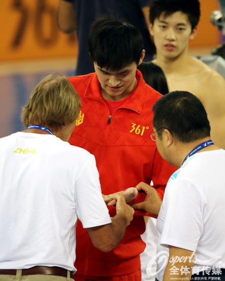 丹尼斯仁川亚运会赛前关心询问孙杨伤情