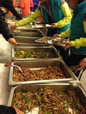 训练基地食堂的晚餐