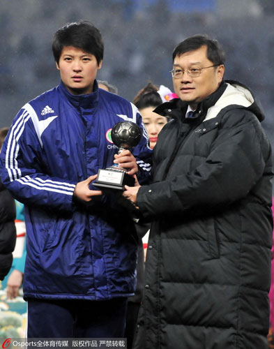 张艳茹是2010年东亚四强赛最佳门将