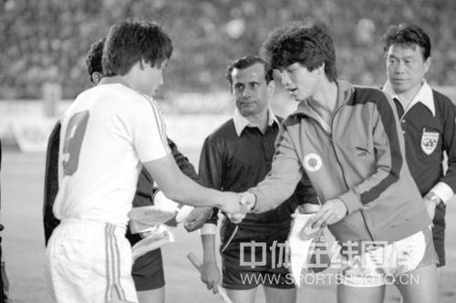 中国队1-2输香港队是曾雪麟执教国足生涯的一大遗憾
