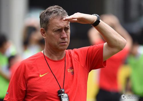 佩兰执教的前景不一定只取决于国足亚洲杯的表现