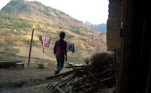 家庭年收入不过三五百元的云南广南,卖掉自家孩子换钱见怪不怪