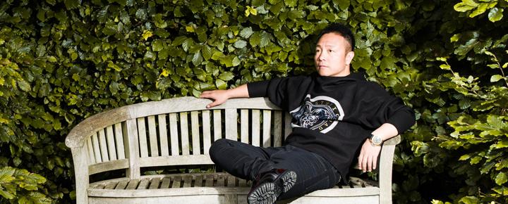 许巍表示一直当一个学生,做一个脚踏实地的人。