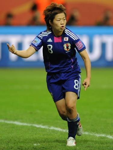 """宫间绫被誉为日本女足的""""中村俊辅"""