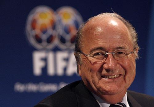 外界认为王健林收购盈方是看中了其与FIFA主席布拉特的关系