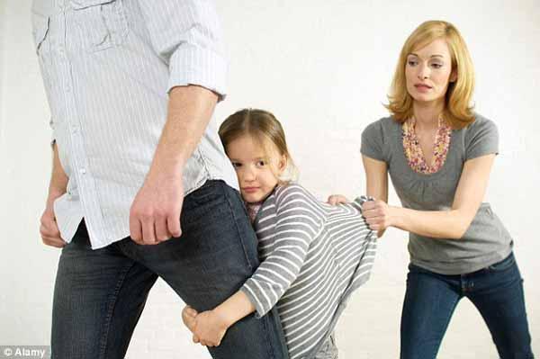 """父母离婚之后,孩子可以摆脱""""夹心饼干""""造成的心理负担"""