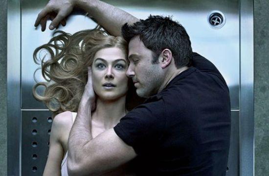 影片《消失的爱人》将不见刀不见血的冷暴力厮杀赤裸裸地展示出来