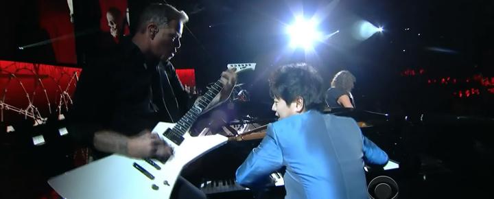 郎朗在格莱美颁奖仪式上与Metallica乐队联袂演出。