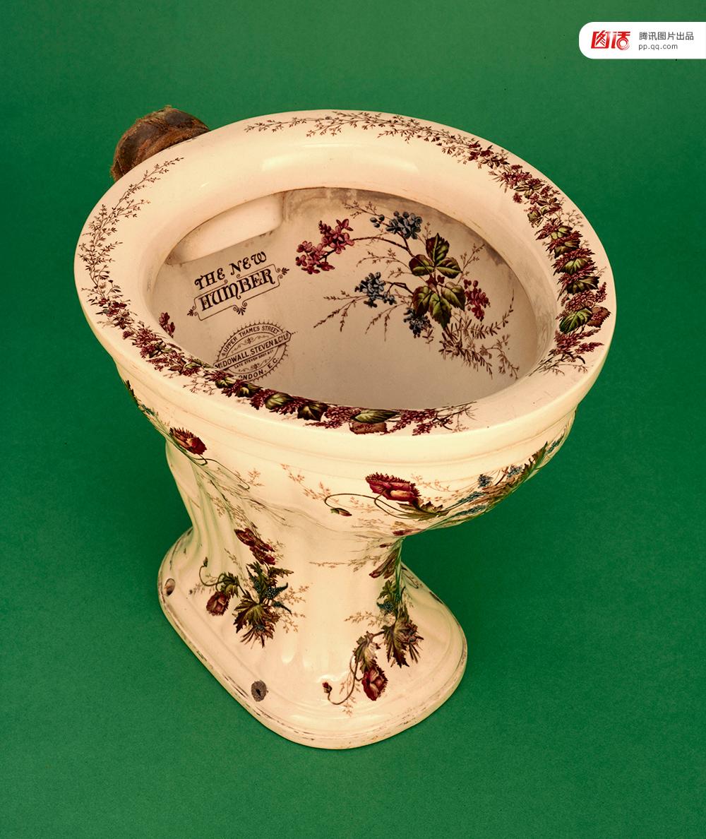 了。英国维多利亚女王甚至将优美的马桶视为身份的 ...