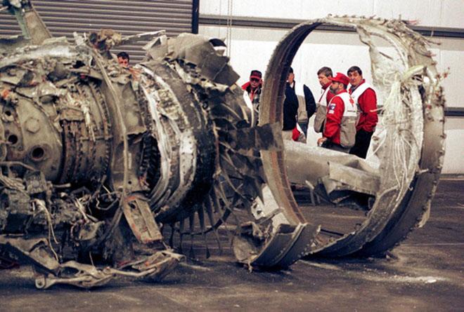 埃及空难疑似当事副驾驶怀恨报复,此为空难飞机残骸