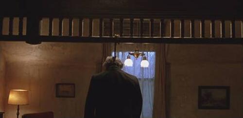 虽然走出了监狱,但《肖申克的救赎》里的布鲁克斯还是选择了自杀