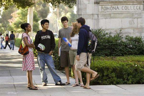 坚持人文学科教育为主的波莫纳文理学院