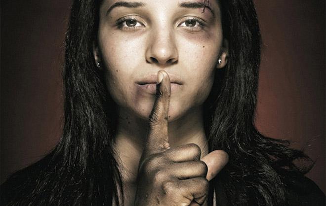 长期被家暴妇女的无助感不是一般人能体会的,而她们也看不到任何出路和解决办法