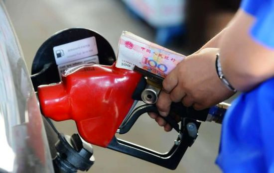 """前段时间油价下降之际,部委""""三提成品油消费税""""被广泛诟病"""