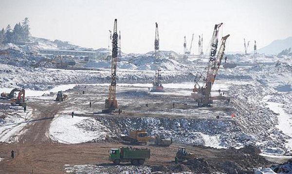 """湖北神农架建机场,""""削山填洞""""曾备受争议"""