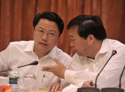 季建业(右)与杨卫泽(左)相继落马,南京成反腐重灾区