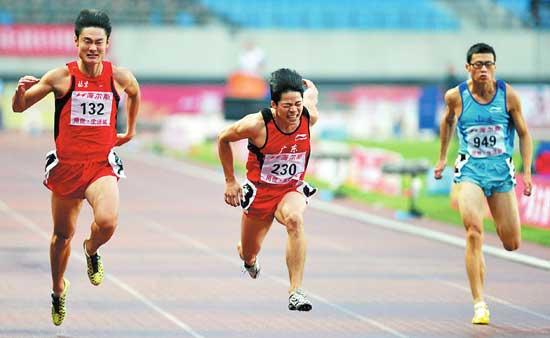 2011年苏炳添刷新全国百米纪录