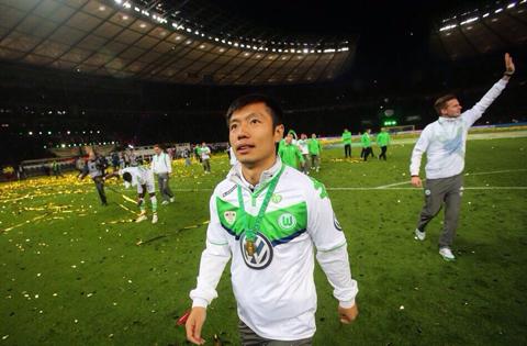 张稀哲随狼堡夺得德国杯冠军
