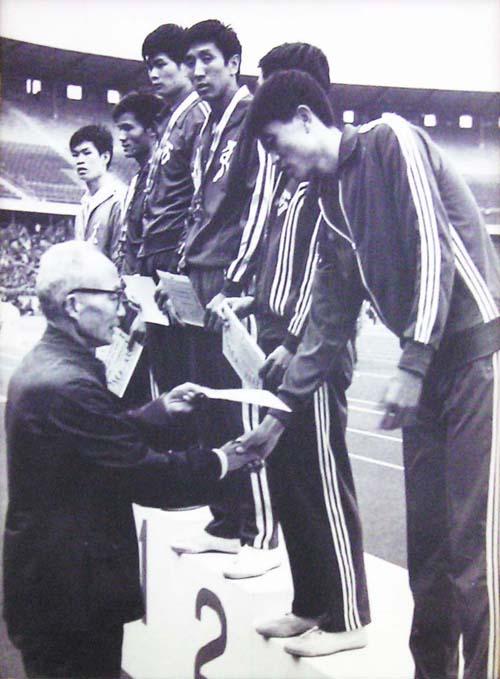 冯建平运动员时期的老照片