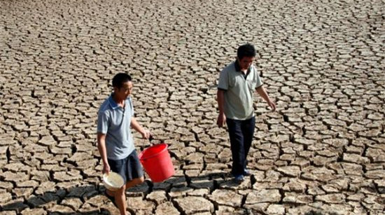 黄荆乡生态环境恶劣,土壤石漠化,有雨水灾、无雨旱灾