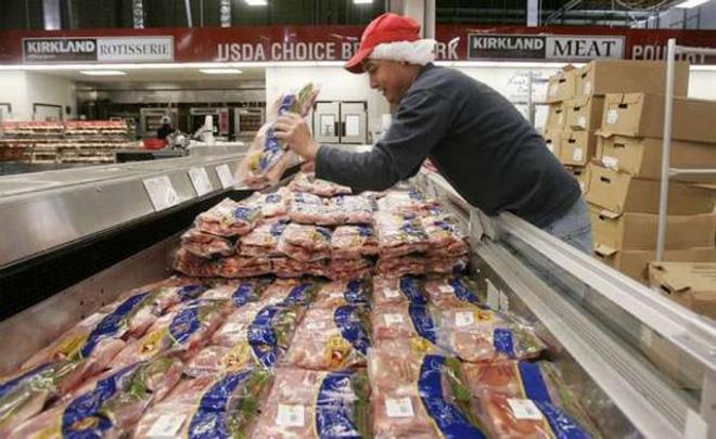 从美国进口便宜的鸡肉及其副产品深切地威胁到了中国生产者的利益
