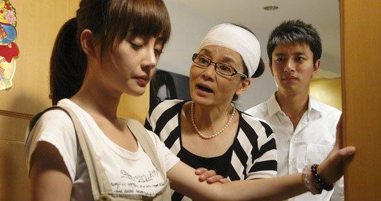 父母插手子女婚姻也是家庭剧中的常见情节