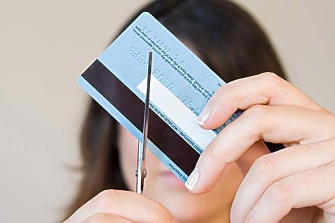 """""""卡奴""""负债累累,并非全因为自己管不住自己,银行的泛滥发卡也是重要原因"""