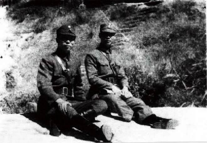 参加南岳军事会议的陈诚(右)与薛岳(左)