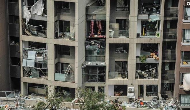 爆炸后毁损严重的附近小区,离爆炸中心不足800米
