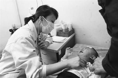 儿童看病让家长很揪心,儿科医生也很辛苦