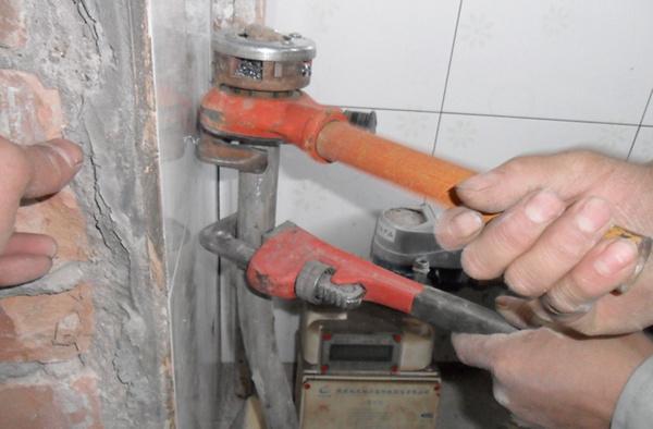 对燃气管道进行调整,是装修中几乎每家都会面临的问题