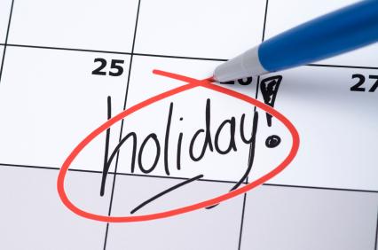 事实上,很多劳动者依法应该享有的双休日、年假、婚假等,很多没有得到很好的落实