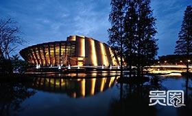 因戏剧节而建的乌镇大剧院成为地标
